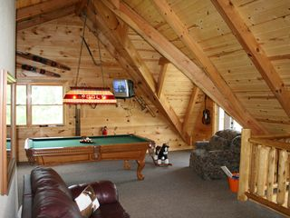 Sevierville chalet photo - Lots of sitting areas in the loft!