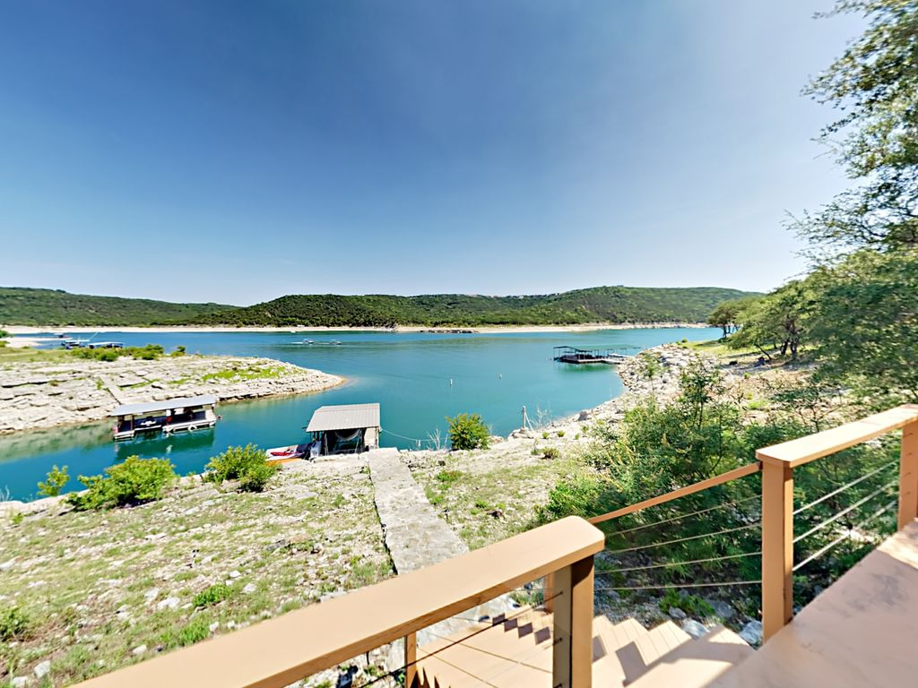 Incredible 5BR/4.5BA Retreat on Lake Travis w/ Guest House & Private Dock