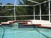 Private Pool House-quiet area-minutes from Sponge Docks-Beaches-Golf-Fishing