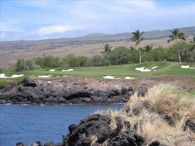 World famous Mauna Kea Golf Hole #3 nestled beside Pacific Ocean!