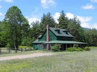 Family friendly huge wrap around porch homeaway for Keene valley cabin rentals