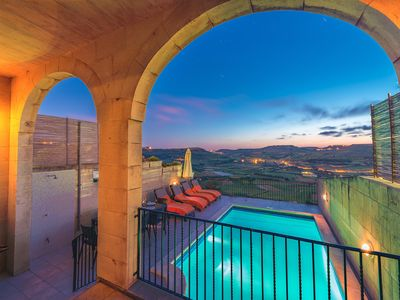 Enjoy a unique relaxing experience with breathtaking country and sea views
