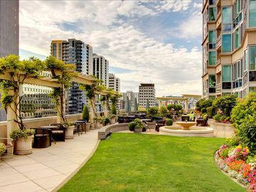 Belltown condo rental - Outdoor Lounge with Fantastic Views