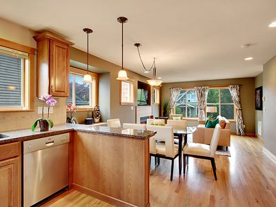 Seattle townhome rental - Fully Equipped Kitchen with Granite Counters and Stainless Steel Appliances.