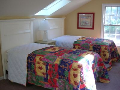 BR #5(2 Twins): Settle or play in bedroom with sleeper sofa and gaming area/TV