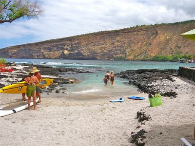 Nearby Manini Beach is a great place to enter the Bay for swimming & snorkeling