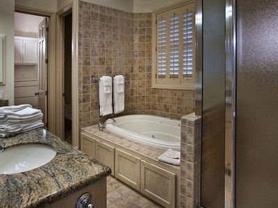 Aspen house rental - Master Suite Bathroom
