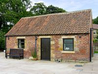 SOMERSET COTTAGE, pet friendly in Great Ayton, Ref 4250