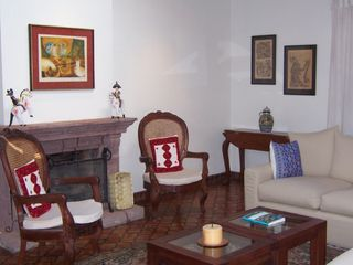 San Miguel de Allende villa photo - living room