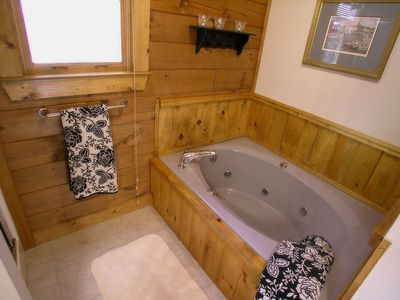 Banner Elk cabin rental - The Treehouse Master Bath