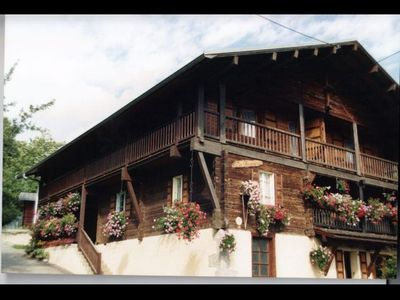 APARTMENT IN TRADITIONAL CHALET