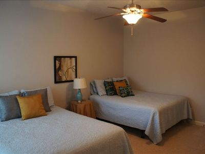 Hot Springs house rental - Down stairs bedroom with 2 queen beds
