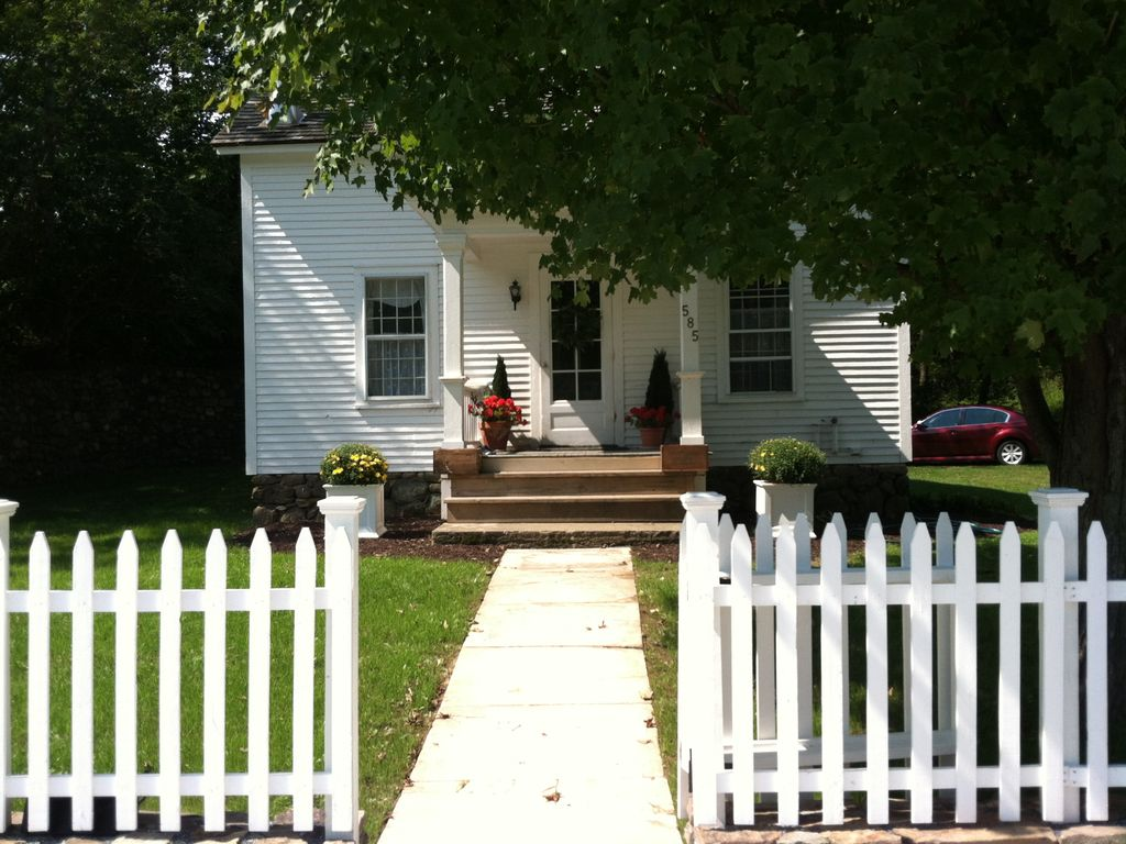 Perfect country cottage vrbo for Perfect cottage