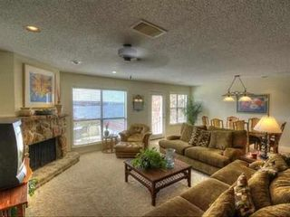 Horseshoe Bay townhome photo - Living room with view of lake