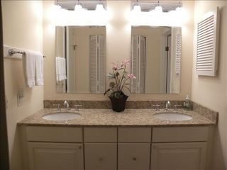 Amelia Island condo photo - Master bathroom