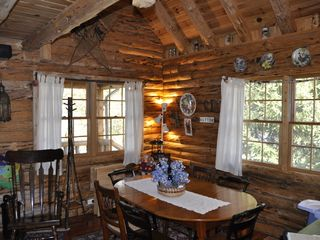 Allen Falls Flow cabin photo - Dining Area with Views of Lake