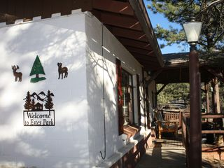 Estes Park cabin photo - WELCOME To Chief Far View Cabin in Beautiful Estes Park!!