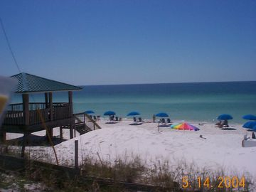 Destin Beach!! 5 minute Walk From Our Front Door
