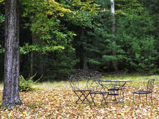 Woodstock house photo - The outdoor table in autumn