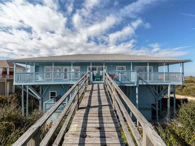 Beach living - You'll fall in love with this beach front property!