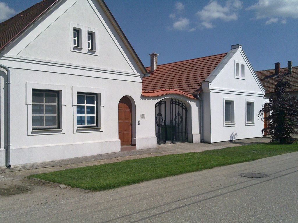 House, 190 square meters, with pool