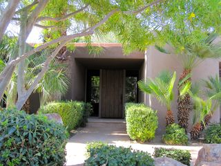 Indian Wells house photo - Front entry