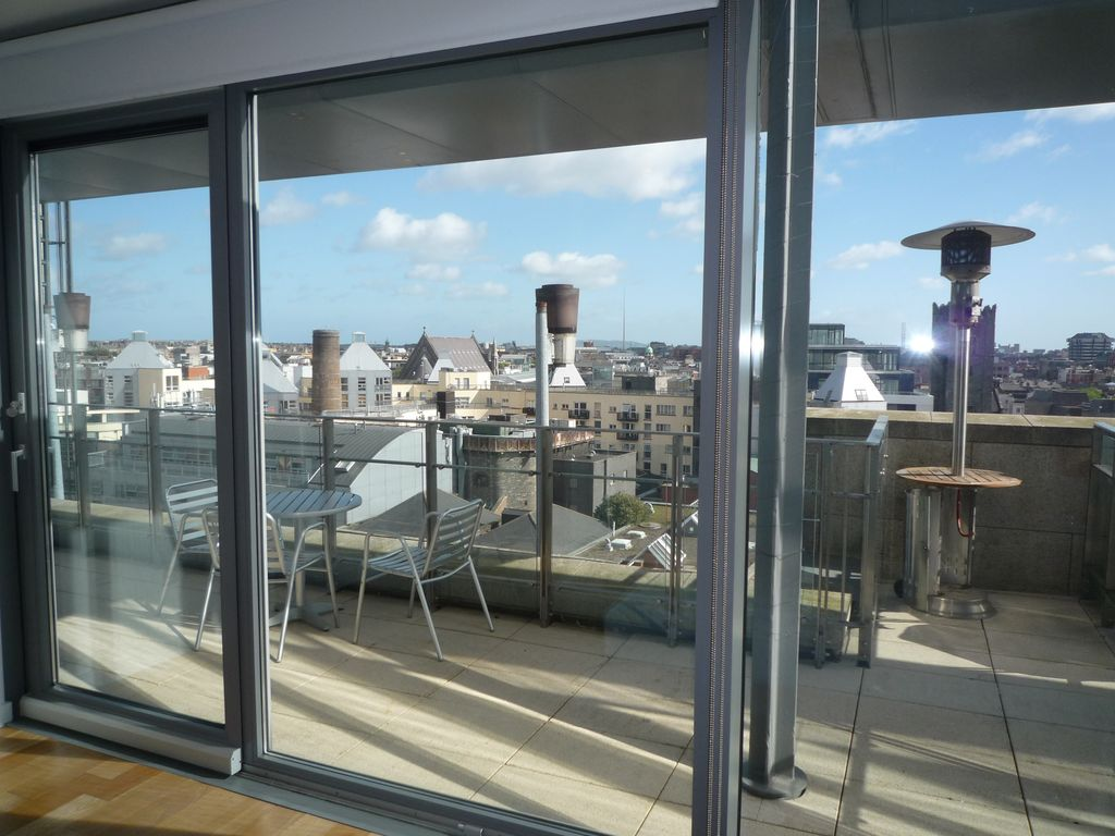 Old dublin view penthouse apartment city vrbo for New york balcony view