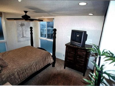UPSTAIRS 2ND BEDROOM