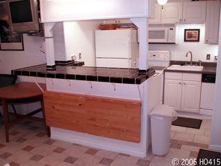 Lahaina condo photo - The Bar & Kitchen Areas Flow Seamlessly Together.