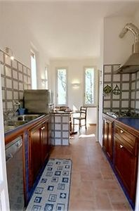 DEL PINTURICCHIO CHARMING APARTMENT- THE FULLY EQUIPPED  KITCHEN