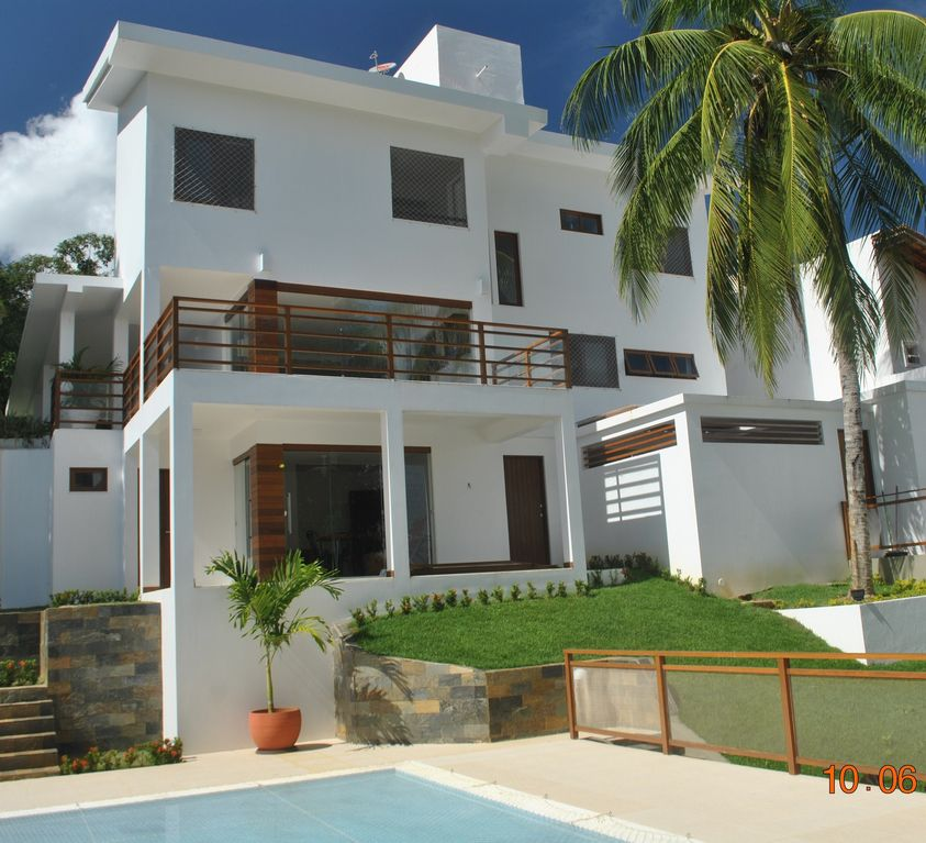 SPECTACULAR HOME, 4 BEDROOMS, COMFORT AND SAFETY.