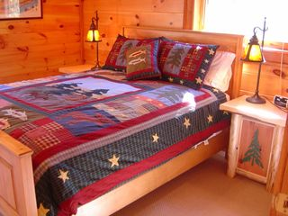 Blowing Rock cabin photo - Third Bedroom - Queen 1