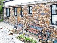 ELM COTTAGE, family friendly, with a garden in Goonhavern, Ref 7924
