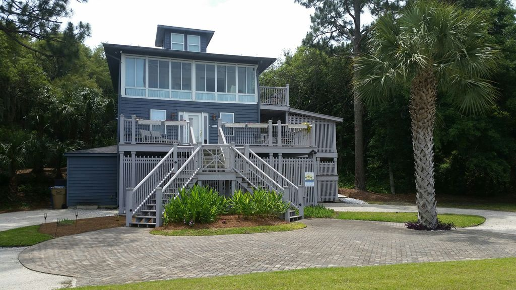 Beautiful cottage in the sky relax on the vrbo for Cabin rentals near savannah ga