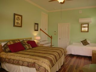 Kiawah Island villa photo - 1st floor Green bedroom. Features King bed and a single day bed. Grand room!
