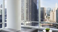 Luxurious Downtown 2br Apt By Chicago River