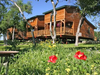 Family-friendly Cabins Overlooking Onion Creek. Fishing, Canoeing And Wildlife