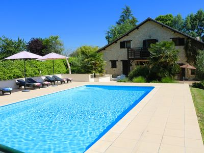 Superb, luxury villa with heated pool, 20 min Bergerac airport, 5m Vigiers golf