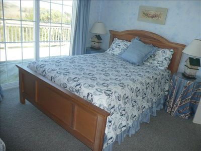 Master bedroom down with Queen Bed