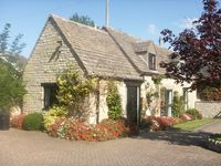 Beautiful Cotswold- stone barn conversion near Stratford-upon-Avon and Cotswold