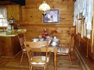 Maggie Valley cabin photo - Dining / kitchen area