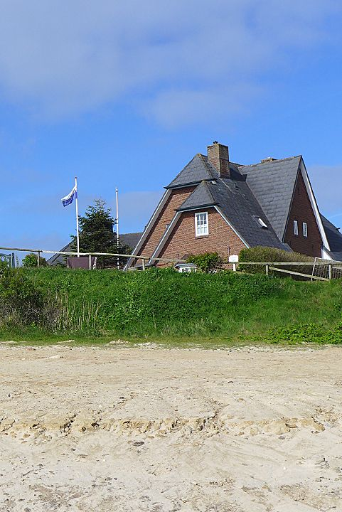 Romantic semi-detached house in top location directly on the Wadden Sea (Watthüs)