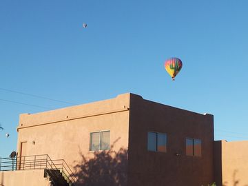 Cave Creek condo rental - Hot air balloons routinely launch near our location.