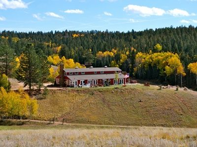 Welcome to The Inn at Potter's Inn! Surrounded by 35 acres of Colorado beauty!