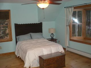 Londonderry house photo - Bedroom with double bed.