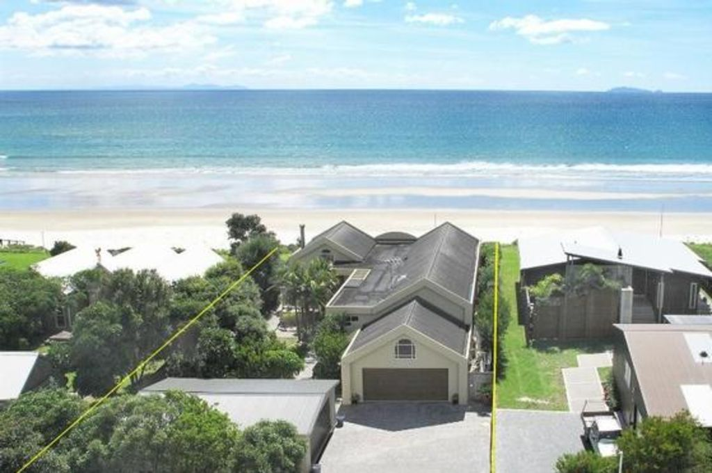 Absolute Beachfront with Uninterrupted Seaviews