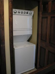 washer/dryer combo in upstairs hallway