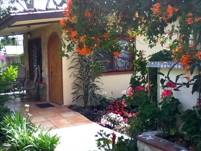 Boquete cottage rental - Welcome to your private in-town retreat - walk to cafes, restaurants, shopping