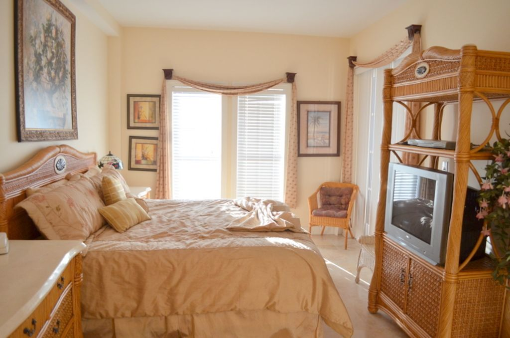 Rosemary beach condo rental the village seacrest beach for Beautiful master bedrooms and bathrooms