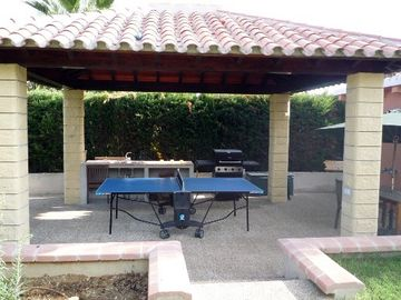Pergola Dining/Gas BBQ/table tennis with light
